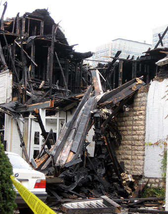 Adler and Sulivan's George M. Harvey House destroyed by fire
